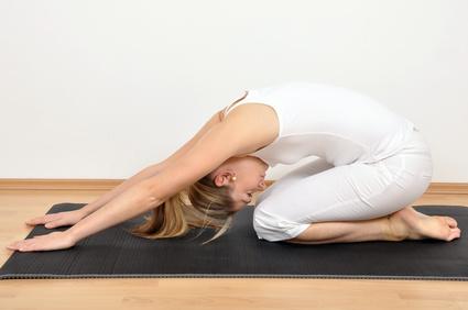 Pilates Frau beim Training